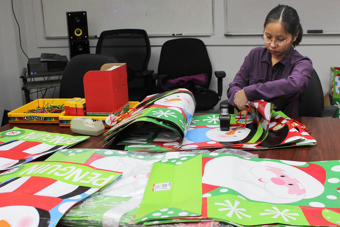 Volunteer Holiday Adopt-a-Child
